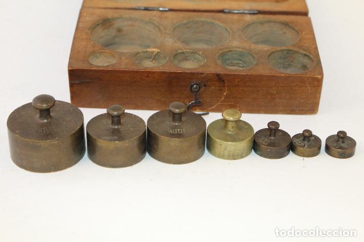 Antigüedades: juego de 7 pesas - ponderales en bronce pesas en bronce grabadas - Foto 3 - 95722638