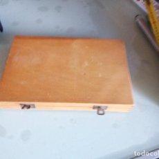Antigüedades: BOX, CAJA ALMACÉN DE PORTAOBJETOS, ANTIGUA CAJA PARA 100 PORTAOBJETOS.. Lote 93600050