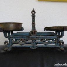 Antigüedades: BALANZA ART DECO EN HIERRO HASTA 3 KILOS. Lote 93709825
