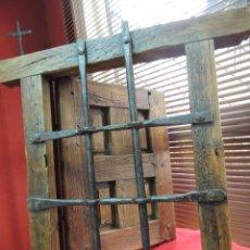 Antigüedades: REJA HIERRO FORJADO CON VENTANA CUARTERONES TODO ORIGINAL SIGLOX XVI PRECIOSA.. Lote 93842435