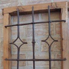Antigüedades: REJA ANTIGUA HIERRO FORJADO PEQUEÑA XIGLO XV PLATERESCO. MUY BONITA.. Lote 93858065