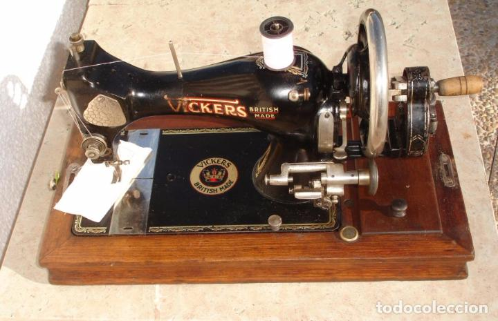 Antigüedades: ANTIGUA MAQUINA DE COSER VICKERS, AÑO C. 1930- FUNCIONA Y COSE - Foto 3 - 46379566