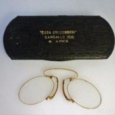 Antigüedades: GAFAS LENTES DE NARIZ MONTURA DORADA CON FUNDA ORIGINAL ÓPTICA DE BUENOS AIRES PERFECTAS. Lote 94112085