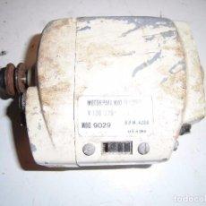 Antigüedades: PEQUEÑO MOTOR PARA MAQUINA DE COSER. Lote 94587399