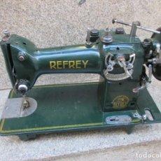 Antigüedades: CABEZAL DE MAQUINA DE COSER ' REFREY ' MODELO CL 317, 15KG, HACIA 1955/60 + INFO. Lote 100196655