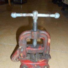 Antigüedades: MORDAZA, TORNILLO O GATO DE FONTANERO. Lote 94784611