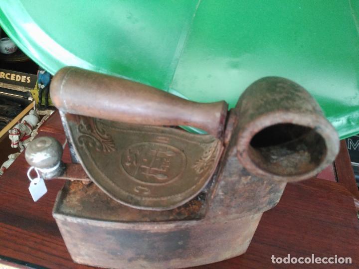 PRECIOSA Y ANTIGUA PLANCHA DE CHIMENEA A CARBÓN MONDRAGÓN PRECIO: 170,00 € (Antigüedades - Técnicas - Planchas Antiguas - Carbón)
