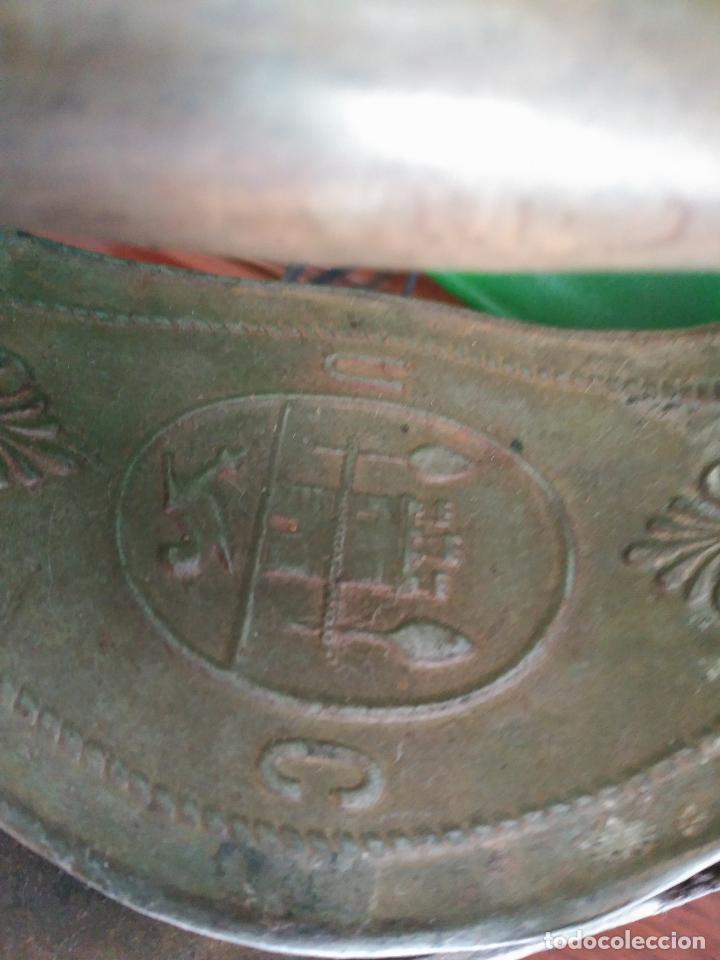 Antigüedades: PRECIOSA Y ANTIGUA PLANCHA DE CHIMENEA A CARBóN MONDRAGóN Precio: 170,00 € - Foto 2 - 94875579