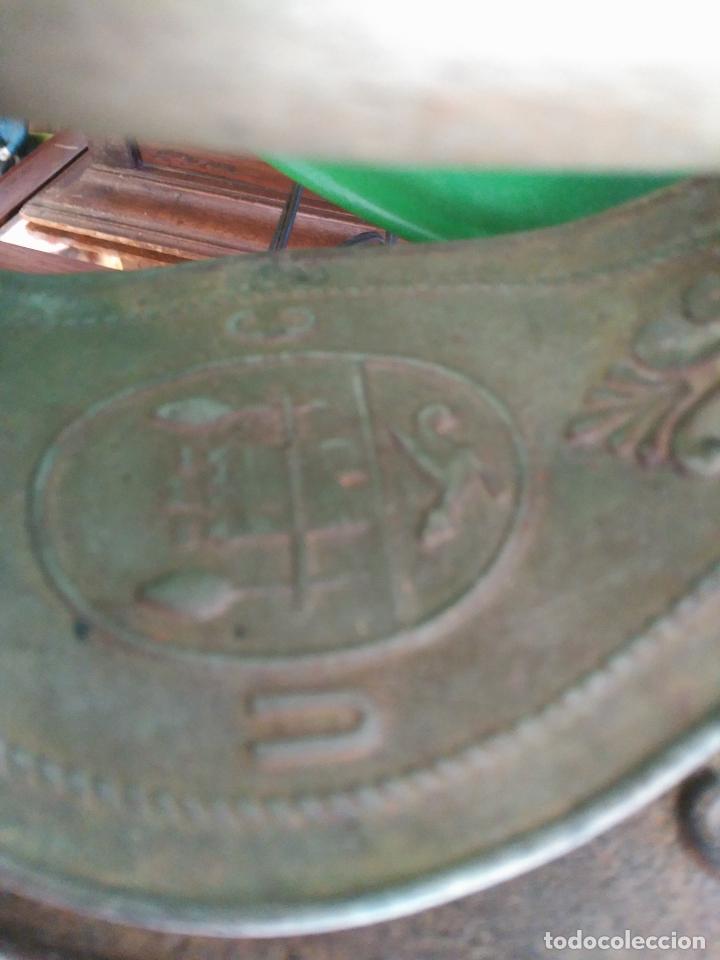 Antigüedades: PRECIOSA Y ANTIGUA PLANCHA DE CHIMENEA A CARBóN MONDRAGóN Precio: 170,00 € - Foto 4 - 94875579