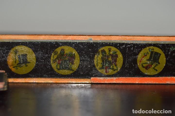 Antigüedades: Lote de 34 cristales de linterna mágica, 14, 13 y 11 cm de largo. originales. - Foto 12 - 94944279