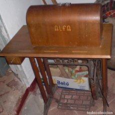 Antigüedades: ANTIGUA MAQUINA DE COSER ALFA. Lote 95014839