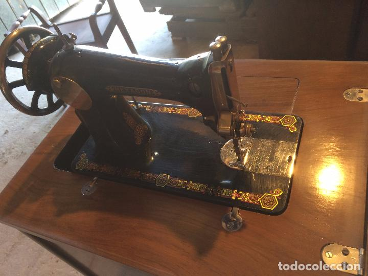 Antigüedades: Antigua Maquina de coser marca Hexagon de la casa Singer con dibujos modernistas años 30-40 - Foto 12 - 95051743