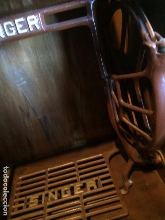 Antigüedades: Antigua Maquina de coser marca Hexagon de la casa Singer con dibujos modernistas años 30-40 - Foto 27 - 95051743