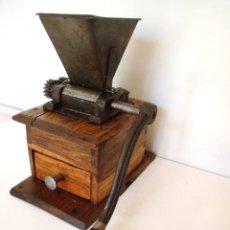 Antigüedades: MOLINILLO DE CAFÉ DE LOS DENOMINADOS -DE FARMACEÚTICO-. ALEMANIA. CA. 1850/1900. Lote 95074947