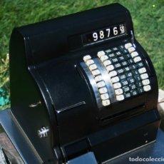 Antigüedades: REGISTRADORA HUGIN ELECTRICA RESTADURADA POR DENTRO Y POR FUERA IMPECABLE FUNCIONANDO AÑOS 50. Lote 95198759