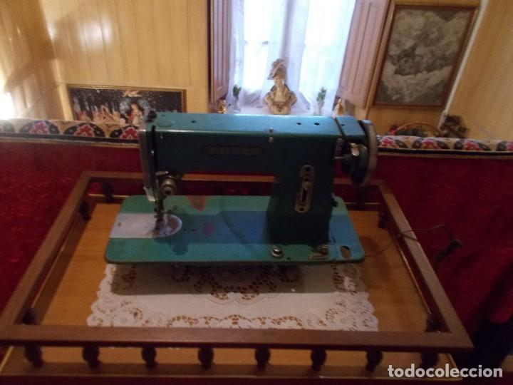 Antigüedades: Maquina de coser marca Sigma años50 - Foto 2 - 95459571