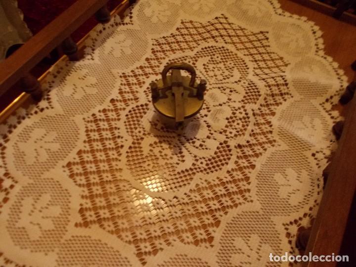 Antigüedades: Conjunto de antiguos ponderales de bronce ,para pesar oro . - Foto 2 - 95461991
