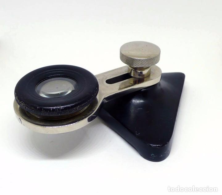 Antigüedades: Antigua lupa brazo móvil y extensible óptico regulable, metal cromado y base de fundición - Foto 2 - 95559999