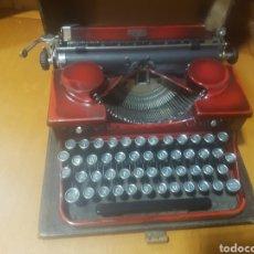 Antigüedades: ANTIGUA MAQUINA DE ESCRIBIR ROYAL PORTABLE 2 SERIE O. GRANATE. USA 1935 + MALETA, BIEN CONSERVADA.. Lote 95565862