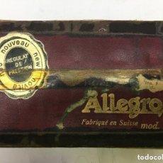 Antigüedades: AFILADORA ALEGRO,CON SU CAJA ,INSTRUCIONES,VARIAS CUCHILLAS Y LUBRICANTE. Lote 95597163