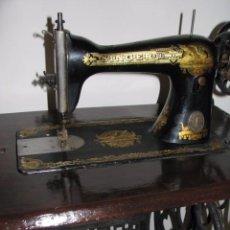 Antigüedades: MÁUINA COSER SINGER AÑO 1910. Lote 95628391