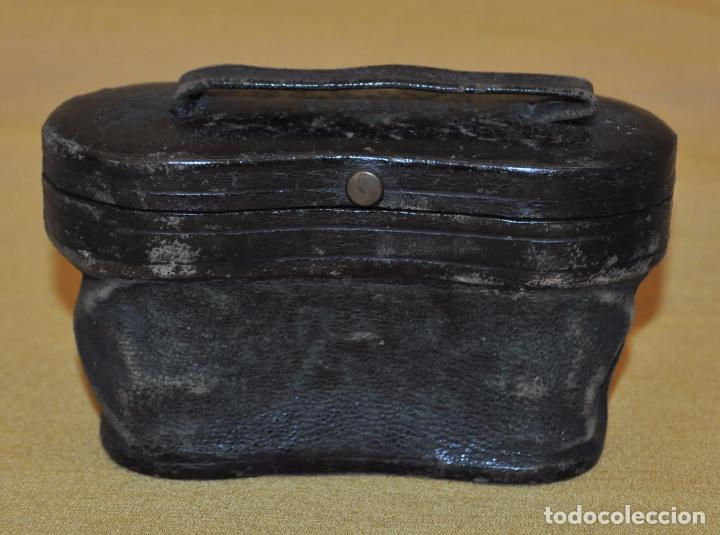 Antigüedades: BINOCULARES DE TEATRO DE FINALES DEL SIGLO XIX CON SU ESTUCHE ORIGINAL - Foto 2 - 95808279