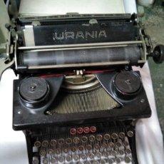 Antigüedades: MAQUINA DE ESCRIBIR URANIA. Lote 95810082