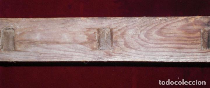 Antigüedades: Antiguo molde de ladrillos - Foto 2 - 95938491