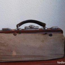 Antigüedades: MALETÍN MÉDICO CON FUNDA DE TELA - BOLSO - AÑOS 30. Lote 96036419