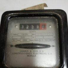 Antigüedades: CONTADOR ANTIGUO DE ELECTRICIDAD LANDIS & GYR S.A AÑO 1965. Lote 96102472