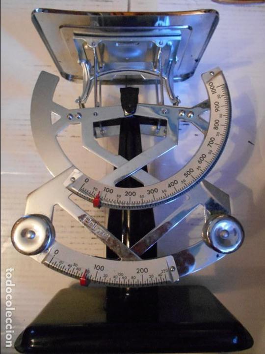BASCULA PESA PAQUETES 1 KG. PETRUS Nº 122. BIEN CONSERVADA. 820 GRAMOS. (Antigüedades - Técnicas - Medidas de Peso - Básculas Antiguas)