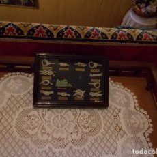 Oggetti Antichi: CUADRO DE NUDOS MARINEROS MIDE SOBRE 20X15 APROX. Lote 96450767