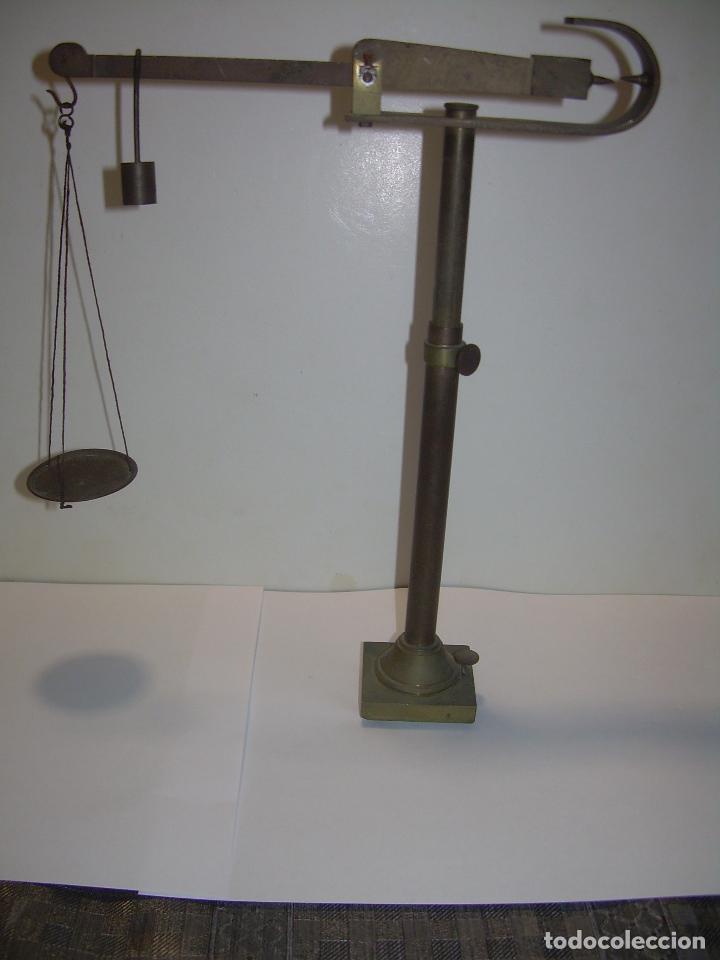 Antigüedades: ANTIGUA Y PEQUEÑA BALANZA DE SOBREMESA DE BRONCE...SIGLO XIX. - Foto 5 - 96541083