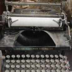 Antigüedades: MÁQUINA DE ESCRIBIR SMITH PREMIER. Lote 96709143