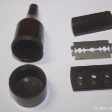 Antigüedades: MAQUINILLA ANTIGUA DESMONTABLE PARA VIAJE - PLÁSTICO DURO O BAQUELITA. Lote 96796851