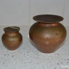 Antigüedades: MUY RARO Y ANTIGUO PAR DE PESAS, VASIJAS EN COBRE LLENO DE LIQUIDO, ORIGINALES.. Lote 96813663