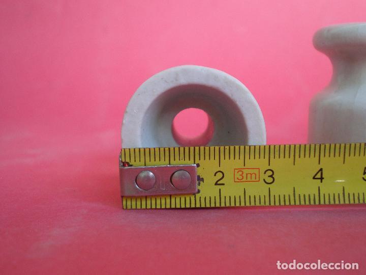 Antigüedades: JUEGO 6 ANTIGUAS JÍCARAS-AISLANTE ELÉTRICO DE PORCELANA, altura: 3,8 x 3,2 diámetro base - Foto 7 - 96876687