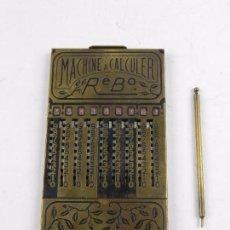 Antigüedades: ANTIGUA CALCULADORA MARCA REBO, MACHINE A CALCULER, FABRICADA EN FRANCIA EN LOS AÑOS 20, COMPLETAMEN. Lote 97357391