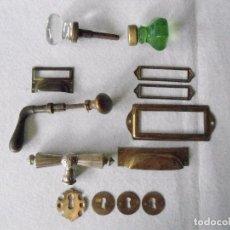 Antigüedades: LOTE DE POMOS, TIRADORES Y BOCALLAVES ANTIGUOS. Lote 97416715