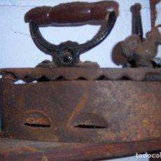 Antigüedades: PLANCHA ANTIGUA DE CARBON. Lote 97445967
