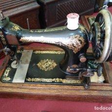 Antigüedades: ANTIGUA MAQUINA DE COSER SINGER DE MANIVELA EN BUEN ESTADO.. Lote 97528855