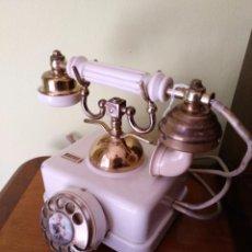Teléfonos: ANTIGUO TELEFONO DE HIERRO EN BLANCO.. Lote 97532067