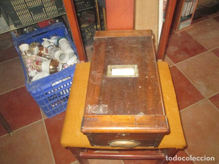 ATIGUA CAJA REGISTRADORA (Antigüedades - Técnicas - Aparatos de Cálculo - Cajas Registradoras Antiguas)