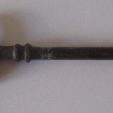 Antigüedades: LLAVE DE HIERRO FORJADO, 12,50 CM, S.XIX.. Lote 97875739