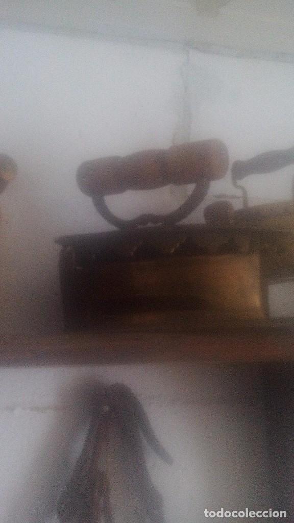 PLANCHA DE BRONCE (Antigüedades - Técnicas - Planchas Antiguas - Carbón)