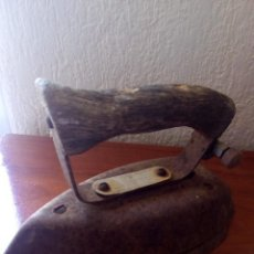 Antigüedades: PLANCHA ANTIGUA GAS BUTANO FABRICADO EN PORTUGAL. Lote 98055283
