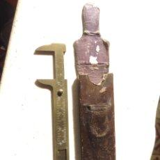 Antigüedades: CALIBRE PIE DE REY CON FUNDA DE CUERO PARA 8 CMS DE MEDIDA. Lote 98062324