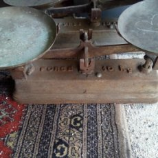 Antigüedades: ANTIGUA BÁSCULA. Lote 103568075