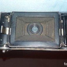 Antigüedades: CÁMARA FOTOGRÁFICA MUY ANTIGUA. Lote 98110079