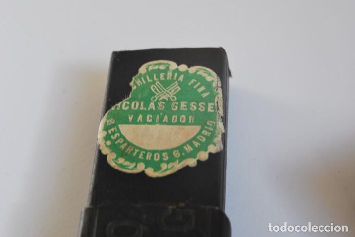 Antigüedades: NAVAJA DE AFEITAR GUILLERMO HOPPE - SOLINGEN - Nº 8 - BARBERO - BARBERÍA - CIRCA 1900 - Foto 5 - 98204487